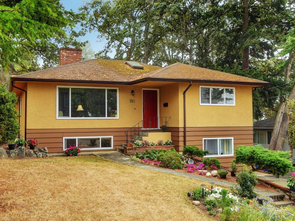 Main Photo: 761 Genevieve Rd in Saanich: SE High Quadra House for sale (Saanich East)  : MLS®# 854970