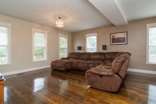 Photo 3: 35295 DELAIR Road in Abbotsford: Abbotsford East House for sale : MLS®# R2072440