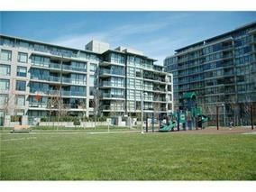 """Main Photo: 105 750 WEST 12TH Avenue in Vancouver: Fairview VW Condo for sale in """"TAPESTRY"""" (Vancouver West)  : MLS®# R2133371"""