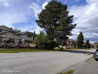 Photo 3: 10071 LEONARD Road in Richmond: South Arm House for sale : MLS®# R2591403