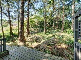 "Photo 17: 393 SKYLINE Drive in Gibsons: Gibsons & Area House for sale in ""The Bluff"" (Sunshine Coast)  : MLS®# R2272922"