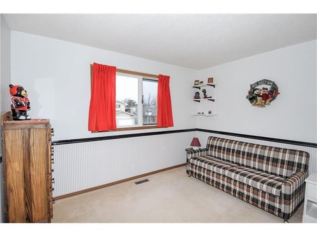 Photo 14: Photos: 236 CEDARGROVE Court SW in Calgary: Cedarbrae House for sale : MLS®# C4104761
