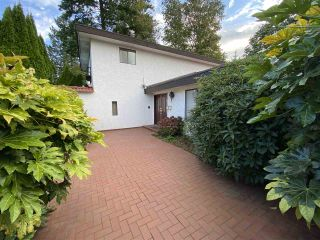 Photo 3: 2466 MAGNOLIA Crescent in Abbotsford: Abbotsford West House for sale : MLS®# R2547095