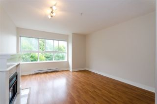 """Photo 3: 63 15353 100 Avenue in Surrey: Guildford Townhouse for sale in """"The Soul of Guildford"""" (North Surrey)  : MLS®# R2291176"""