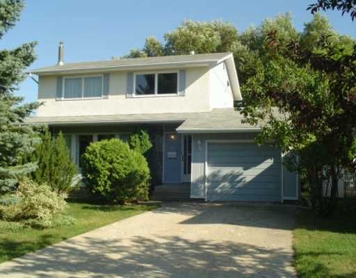 Main Photo: 11 OSGOODE Place in Winnipeg: Fort Garry / Whyte Ridge / St Norbert Single Family Detached for sale (South Winnipeg)  : MLS®# 2613664