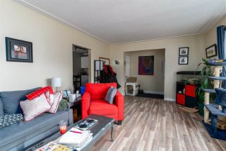 Photo 5: 9421 9423 83 Street in Edmonton: Zone 18 House Duplex for sale : MLS®# E4239956