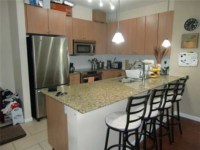 """Photo 3: Photos: 203 285 ROSS Drive in New Westminster: Fraserview NW Condo for sale in """"THE GROVE"""" : MLS®# R2127941"""