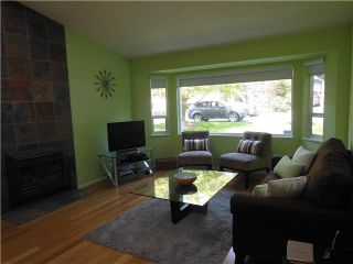 Photo 3: 3855 HAMBER Place in North Vancouver: Indian River House for sale : MLS®# V1117746