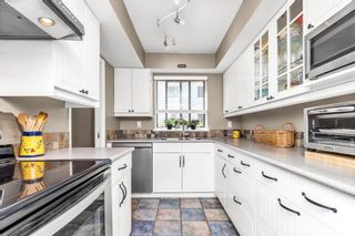 """Photo 12: 105 1379 MERKLIN Street: White Rock Condo for sale in """"THE ROSEWOOD"""" (South Surrey White Rock)  : MLS®# R2590545"""