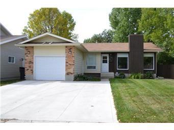 Main Photo: 703 Tobin Terrace in Saskatoon: Lawson Heights Single Family Dwelling for sale (Saskatoon Area 03)  : MLS®# 416537