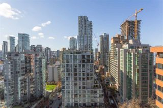 """Photo 14: 2008 1189 HOWE Street in Vancouver: Downtown VW Condo for sale in """"GENESIS"""" (Vancouver West)  : MLS®# R2459398"""