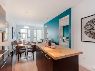 """Photo 5: 212 205 E 10TH Avenue in Vancouver: Mount Pleasant VE Condo for sale in """"The Hub"""" (Vancouver East)  : MLS®# R2621632"""