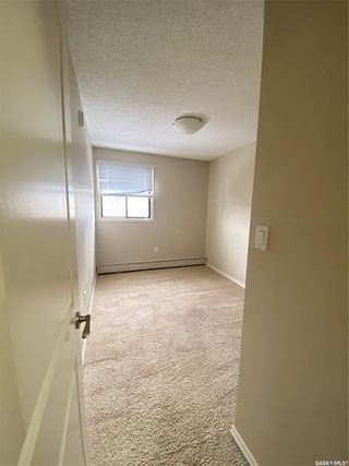 Photo 6: 305 254 Pinehouse Place in Saskatoon: Lawson Heights Residential for sale : MLS®# SK842166