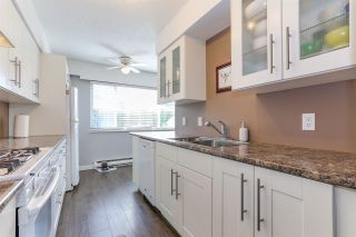 """Photo 3: 43 4947 57 Street in Delta: Hawthorne Townhouse for sale in """"OASIS"""" (Ladner)  : MLS®# R2361943"""