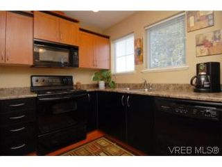Photo 13: 104 842 Brock Ave in VICTORIA: La Langford Proper Row/Townhouse for sale (Langford)  : MLS®# 507331