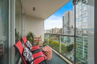 """Photo 6: 1810 1500 HOWE Street in Vancouver: Yaletown Condo for sale in """"The Discovery"""" (Vancouver West)  : MLS®# R2619778"""