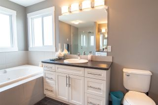Photo 2: 20634 97A Avenue in Edmonton: Zone 58 House for sale : MLS®# E4225094