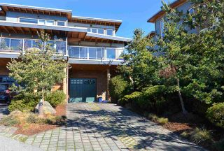 Photo 3: 5370 WAKEFIELD BEACH LANE in Sechelt: Sechelt District Townhouse for sale (Sunshine Coast)  : MLS®# R2409390