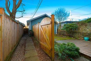 Photo 3: 2017 KITCHENER Street in Vancouver: Grandview Woodland 1/2 Duplex for sale (Vancouver East)  : MLS®# R2532642