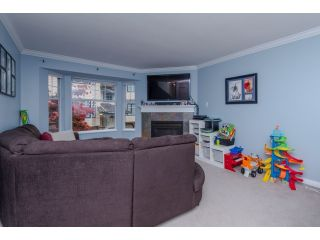 Photo 4: 5 2525 SHAFTSBURY Place in Port Coquitlam: Woodland Acres PQ Townhouse for sale : MLS®# R2013997
