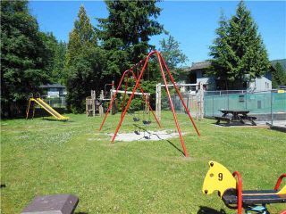 """Photo 16: 2331 MOUNTAIN Highway in North Vancouver: Lynn Valley Townhouse for sale in """"Yorkwood Park"""" : MLS®# V1015049"""