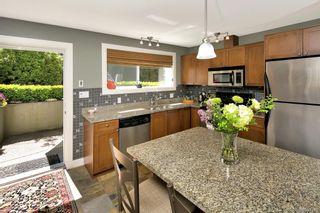 Photo 3: 2 727 Linden Ave in : Vi Fairfield West Condo for sale (Victoria)  : MLS®# 731385