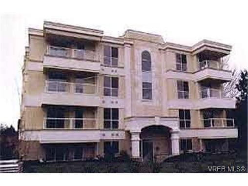 Main Photo: 204 331 E Burnside Rd in VICTORIA: Vi Burnside Condo for sale (Victoria)  : MLS®# 343109