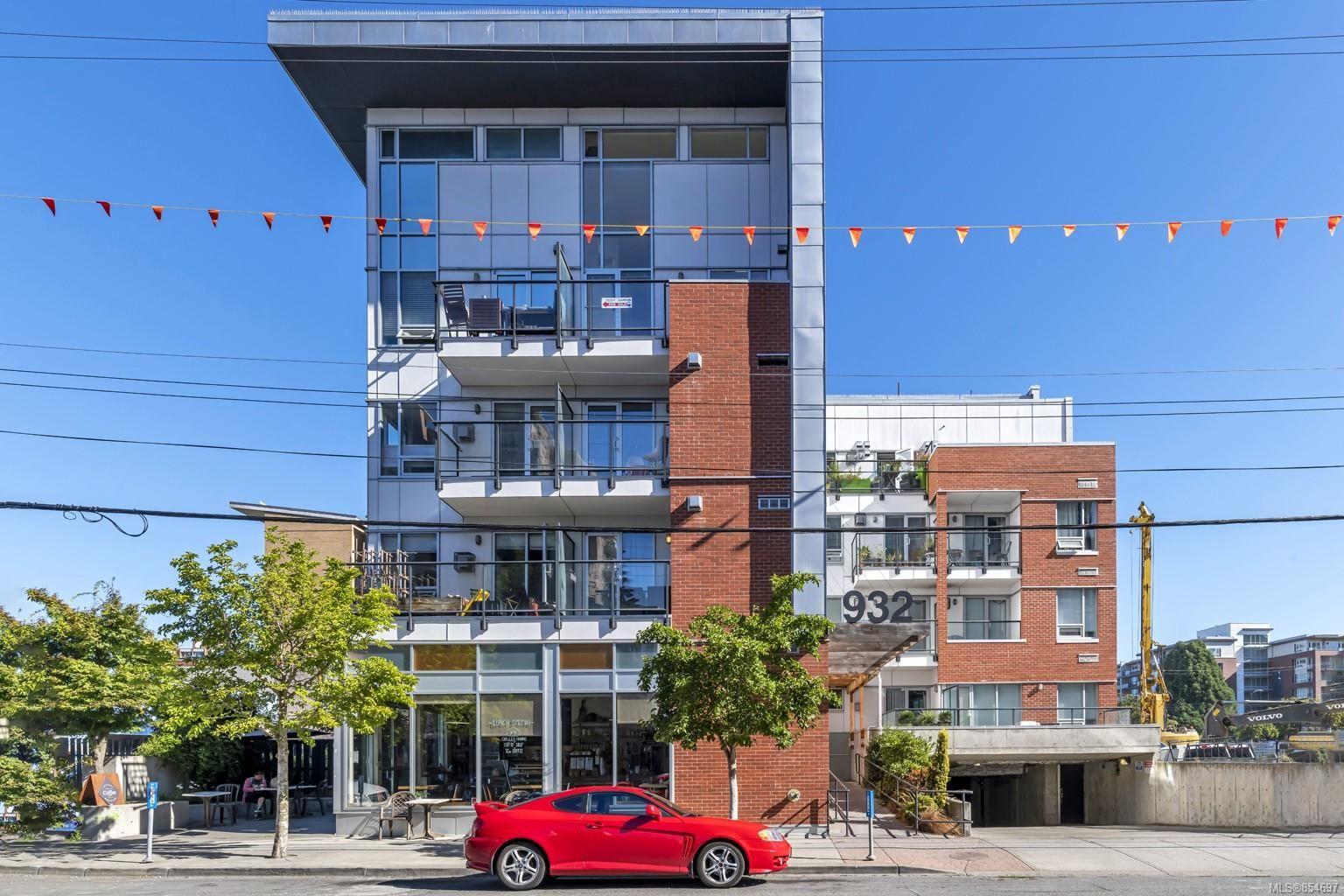 Main Photo: 309 932 Johnson St in : Vi Downtown Condo for sale (Victoria)  : MLS®# 854697