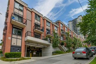 """Photo 2: 35 838 ROYAL Avenue in New Westminster: Downtown NW Townhouse for sale in """"BRICKSTONE WALK II"""" : MLS®# R2077794"""