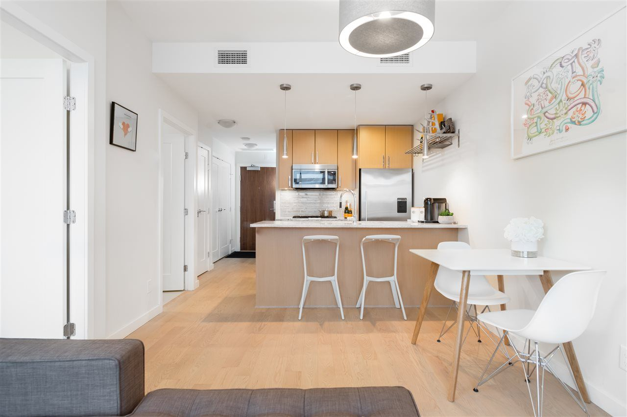 """Main Photo: #803 - 38 W.1st Ave, in Vancouver: False Creek Condo for sale in """"THE ONE"""" (Vancouver West)  : MLS®# R2325443"""
