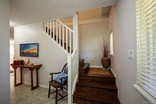 Photo 3: 950 Thrush Pl in Langford: La Happy Valley House for sale : MLS®# 845123