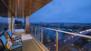 "Main Photo: 3201 1480 HOWE Street in Vancouver: Yaletown Condo for sale in ""VANCOUVER HOUSE"" (Vancouver West)  : MLS®# R2546627"