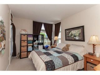 "Photo 15: 210 15777 MARINE Drive: White Rock Condo for sale in ""South Beach"" (South Surrey White Rock)  : MLS®# R2312942"