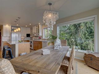 Photo 14: 481 CENTRAL Avenue in Gibsons: Gibsons & Area House for sale (Sunshine Coast)  : MLS®# R2491931