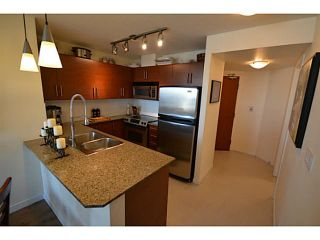 """Photo 6: 1101 833 AGNES Street in New Westminster: Downtown NW Condo for sale in """"The News"""" : MLS®# V1118257"""