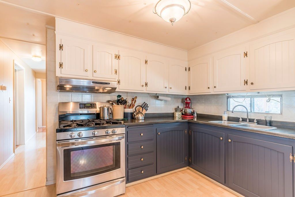 Photo 2: Photos: 48139A RGE RD 275: Rural Leduc County House for sale : MLS®# E4240408