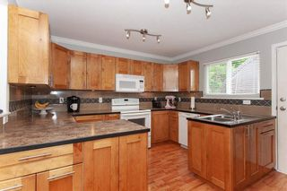 Photo 2: 31382 WINDSOR Court in Abbotsford: Poplar House for sale : MLS®# R2329823