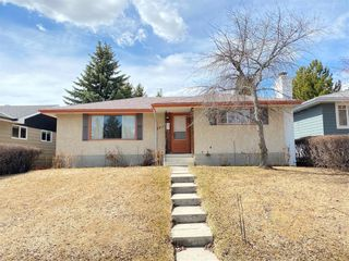 Photo 2: 5911 LOCKINVAR RD SW in Calgary: Lakeview House for sale : MLS®# C4293873