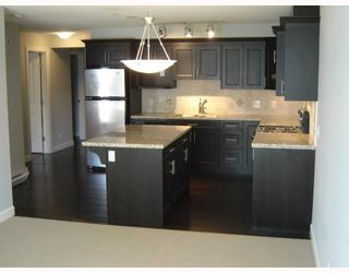 "Photo 3: 205 3150 VINCENT Street in Port_Coquitlam: Glenwood PQ Condo for sale in ""BREYERTON"" (Port Coquitlam)  : MLS®# V749278"