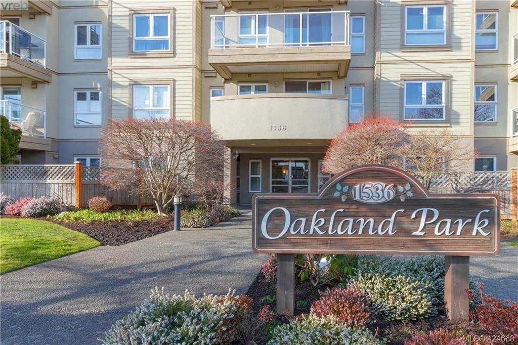 Main Photo: 407 1536 Hillside Ave in VICTORIA: Vi Oaklands Condo for sale (Victoria)  : MLS®# 838706