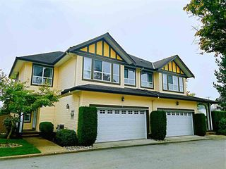 Photo 1: 8 8250 158 Street in Surrey: Fleetwood Tynehead Townhouse for sale : MLS®# R2497169