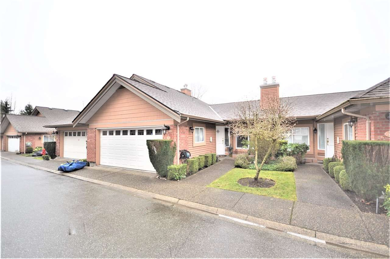 Main Photo: 25 5201 OAKMOUNT Crescent in Burnaby: Oaklands Townhouse for sale (Burnaby South)  : MLS®# R2533327
