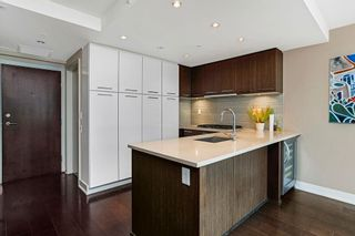 Photo 4: 428 2008 PINE Street in Vancouver: False Creek Condo for sale (Vancouver West)  : MLS®# R2609070
