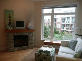 Photo 2: 209 4211 Bayview Street in Richmond: Home for sale