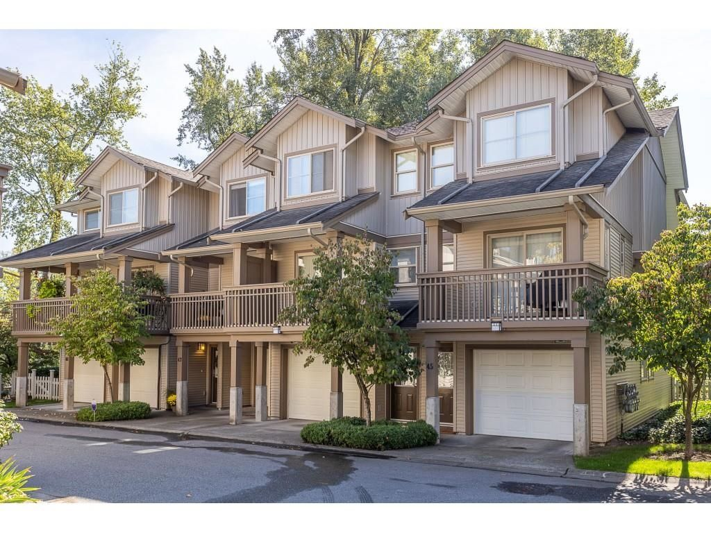 """Main Photo: 46 19250 65 Avenue in Surrey: Clayton Townhouse for sale in """"Sunberry Court"""" (Cloverdale)  : MLS®# R2621146"""
