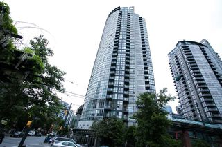 "Photo 14: 203 1199 SEYMOUR Street in Vancouver: Downtown VW Condo for sale in ""BRAVA"" (Vancouver West)  : MLS®# R2066690"