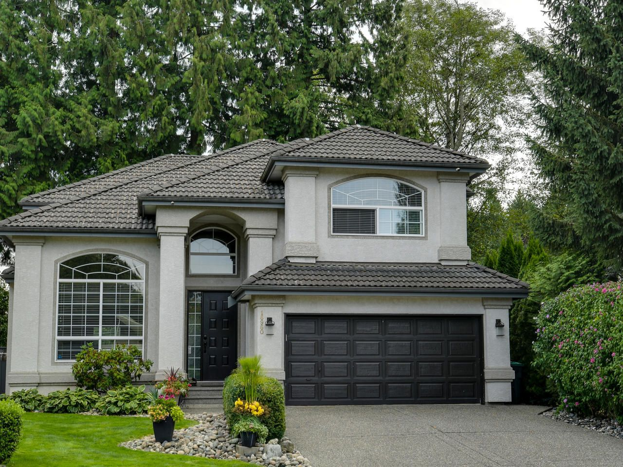 Main Photo: 16960 83 Avenue in Surrey: House for sale : MLS®# R2397234