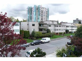"""Photo 7: 305 2885 SPRUCE Street in Vancouver: Fairview VW Condo  in """"FAIRVIEW GARDENS"""" (Vancouver West)  : MLS®# V1104941"""