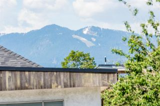 Photo 12: 475 E 19TH Avenue in Vancouver: Fraser VE House for sale (Vancouver East)  : MLS®# R2372522