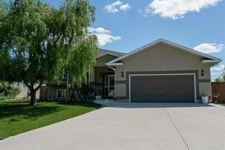 Photo 2: 64 Edelweiss Crescent in Niverville: R07 Residential for sale : MLS®# 202013038